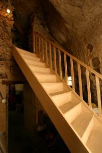 L'escalier est un passage entre deux caves