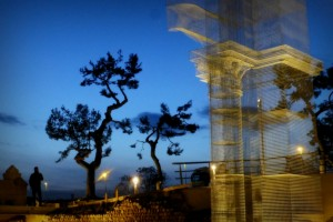 Linstallazione-di-Edoardo-Tresoldi-per-la-Basilica-paleocristiana-di-Siponto-©-Giacomo-Pepe-7[1]