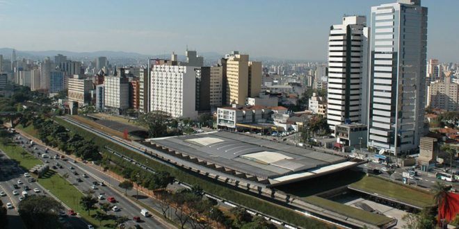 [À livre ouvert] Le CCSP à São Paulo, une « architecture effacée »